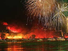 Rhein in Flammen Bilder Fotos © 2006 WHO